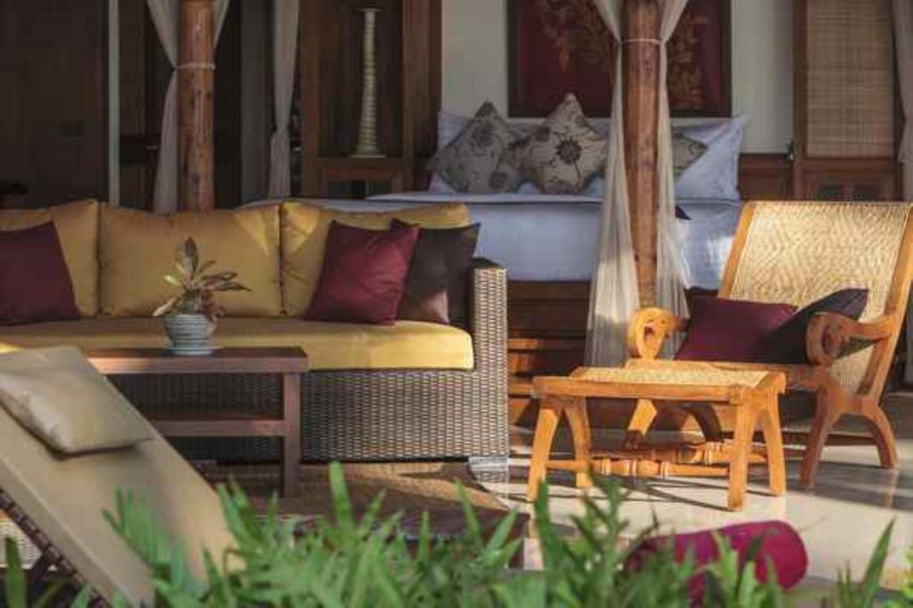 Lounge Villa Kalyana At Koh Samui South Beach Beach