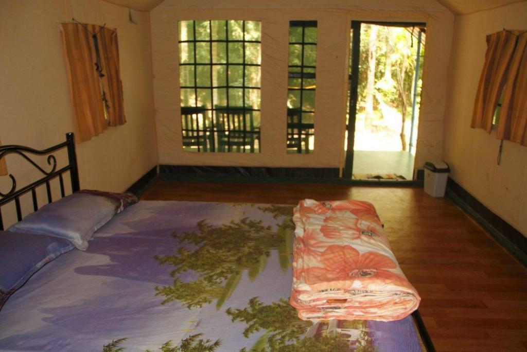 Interior view Deep Jungle Home - Swiss 10Ts 10T Stay