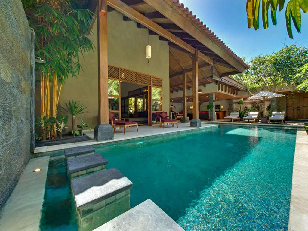 Exquisite 3 Br Villa Seminyak Near The Beach