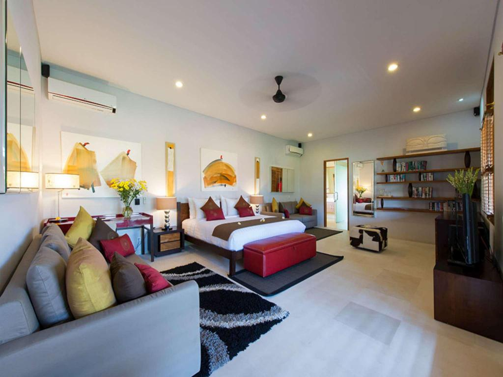 Interior view Exquisite 3 Br Villa Seminyak Near The Beach