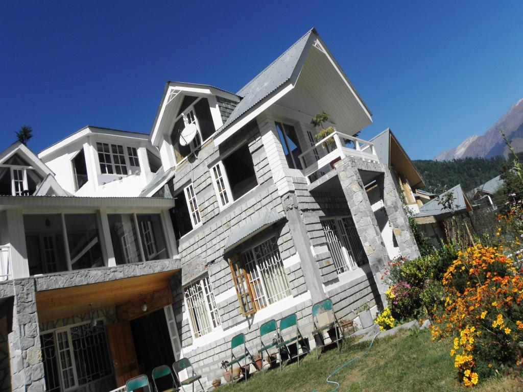 Westwood Villa 4 Br With Snow Capped Mountains