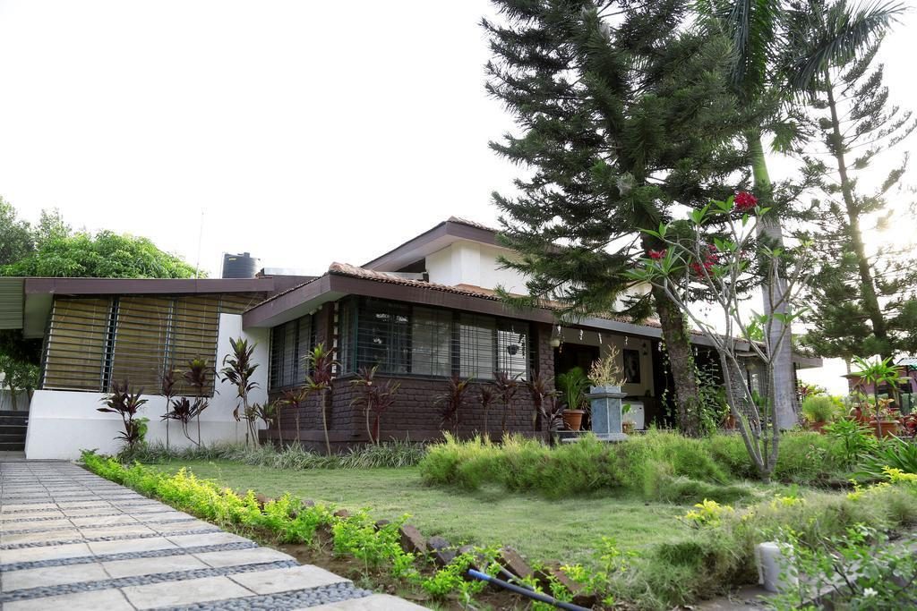 Pandit Farmhouse At The Foothills Of Mahabaleshwar