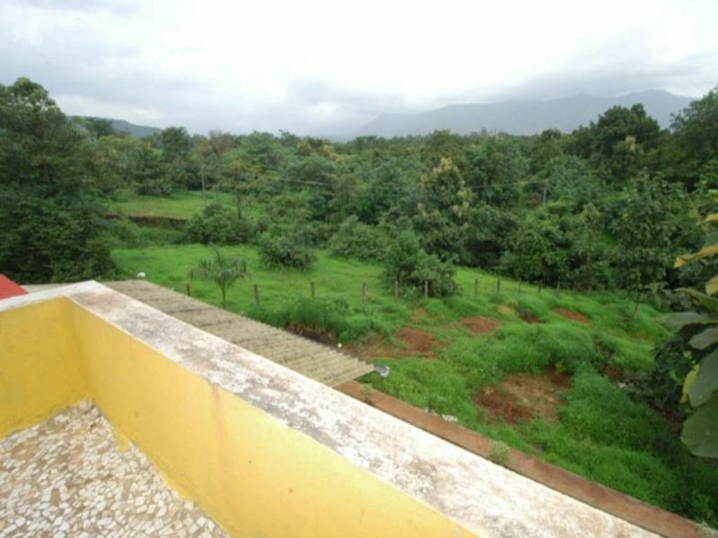 Balcony/terrace River Song 2 Br Lavished Villa