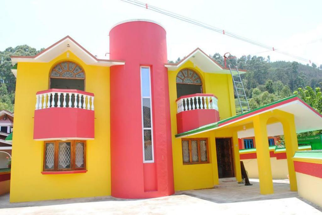 Arasan Cottage Bungalow With 6Brs Ooty-Conoor