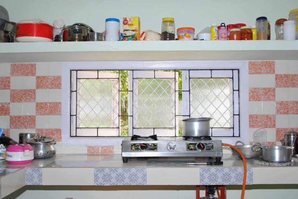 kitchen Arasan Cottage Bungalow With 6Brs Ooty-Conoor