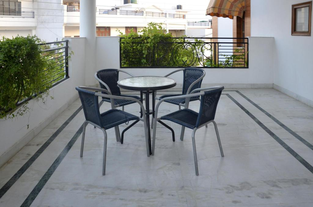 Outside seating area Ivy Stays - Luxurious Villa Gomti Nagar