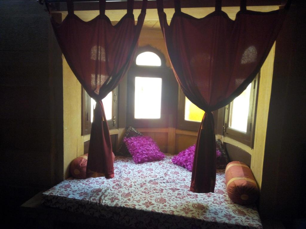 Bed Pooja Home H1Ymoon Suite Stay