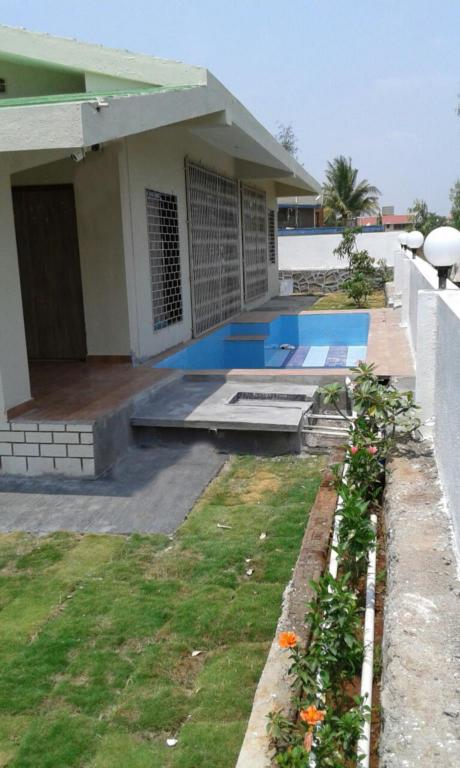 Pool C Villa In Lonavala