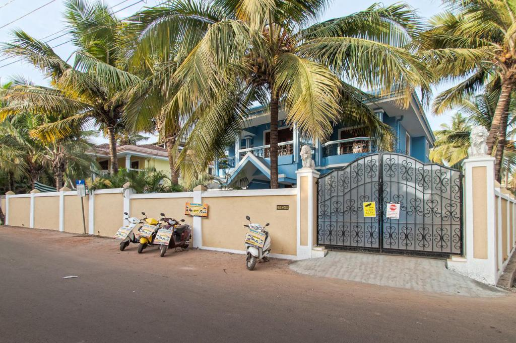 Villa Calangute - 4 Br Luxury Beach With Pool