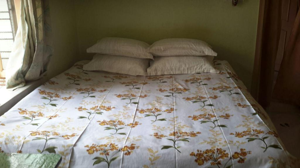Bed Ishita Home Private