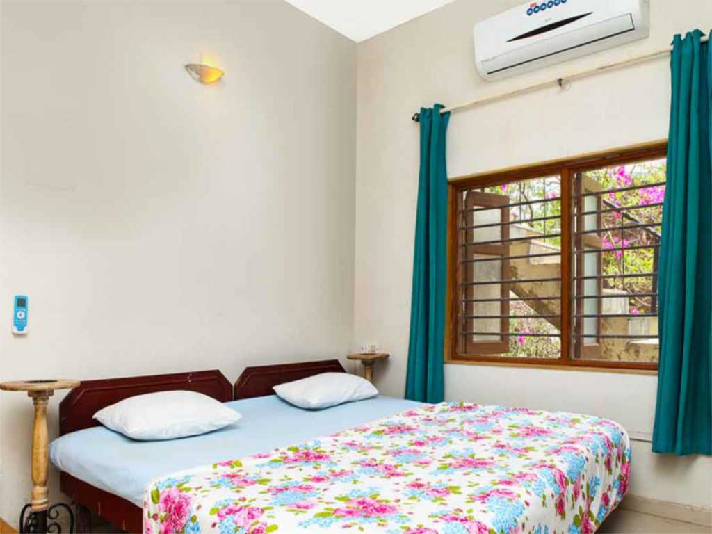Villa - Bed Rembrandt Villa In Nagaon Hill Side Alibaug