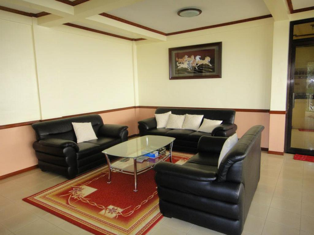 Huis - Lounge Miguel Home Tagaytay Ridgestar Vacation House