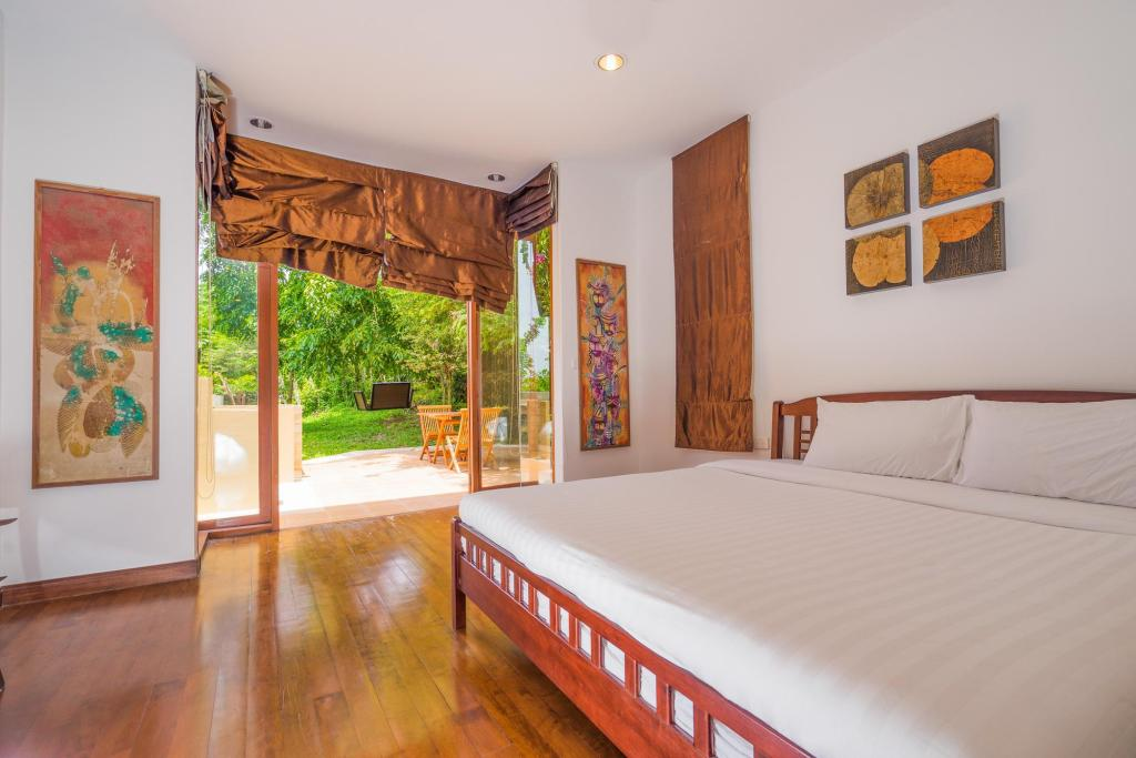 Bed Ocean View Villa In Baan Makham