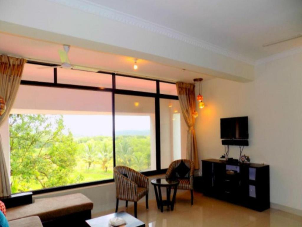 Interior view Cm012 2 Br Apartment Near Candolim Beach