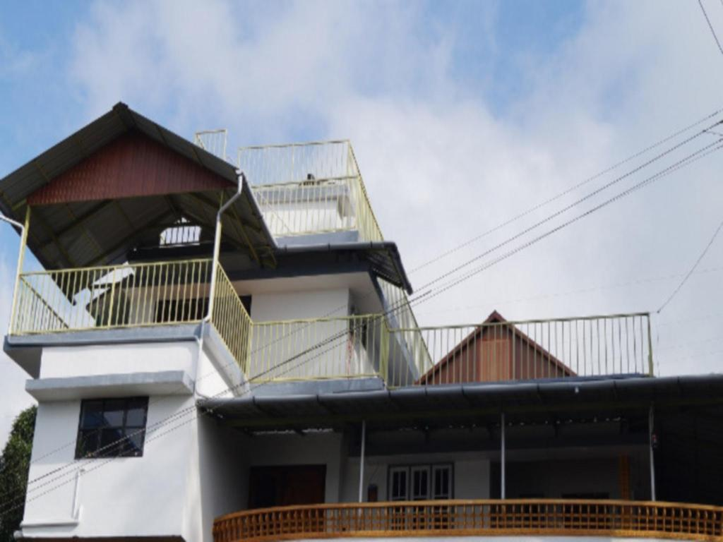 Grace Inn Munnar Double Room With Mountain View
