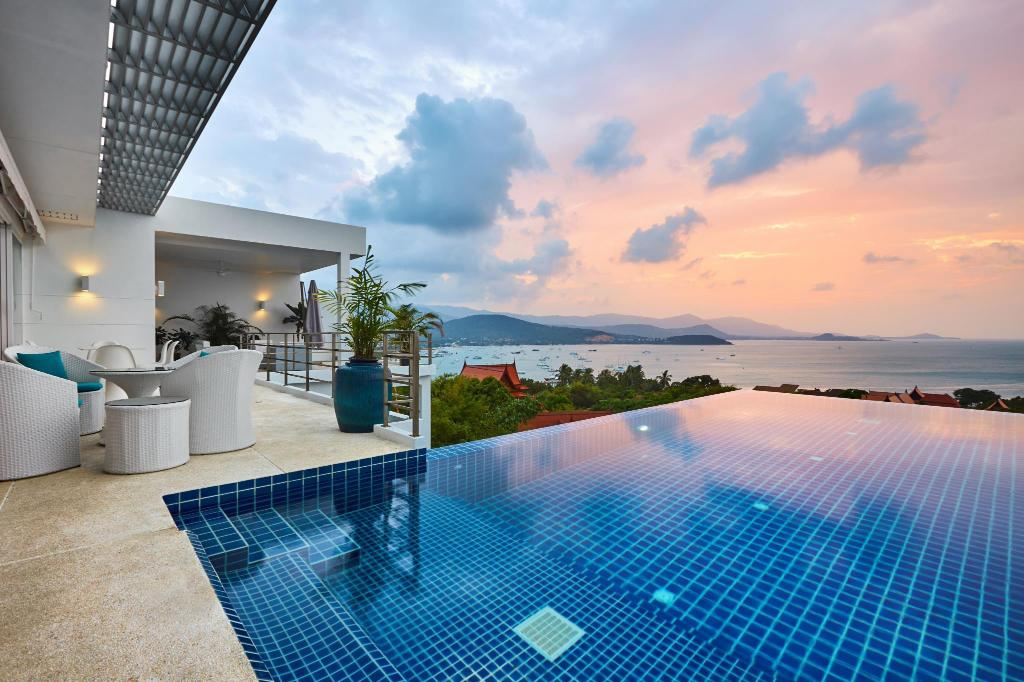 Bazén Villa Blanche 4Br With View Of Bay Bangrak