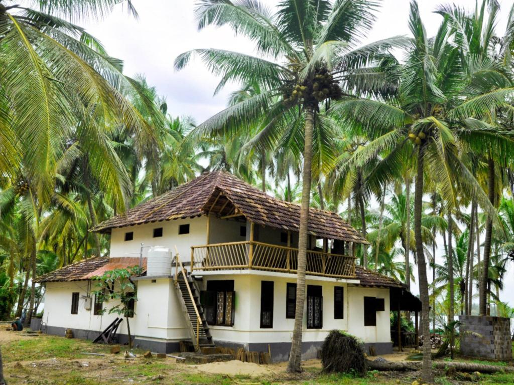 Kavvayi Beach House Deluxe Rooms Stay
