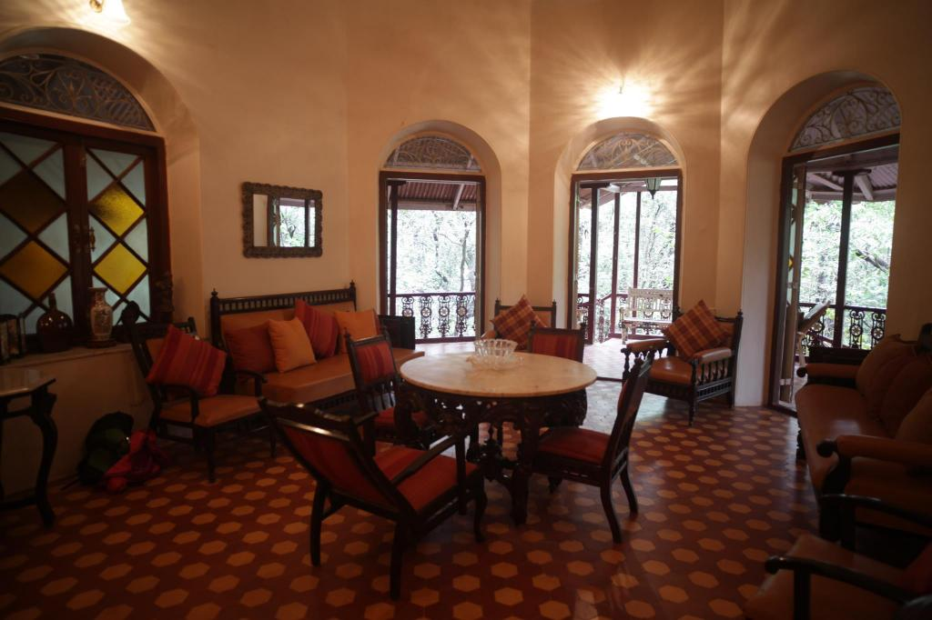 Lounge The Parsi Manor 4 Br Heritage Villa