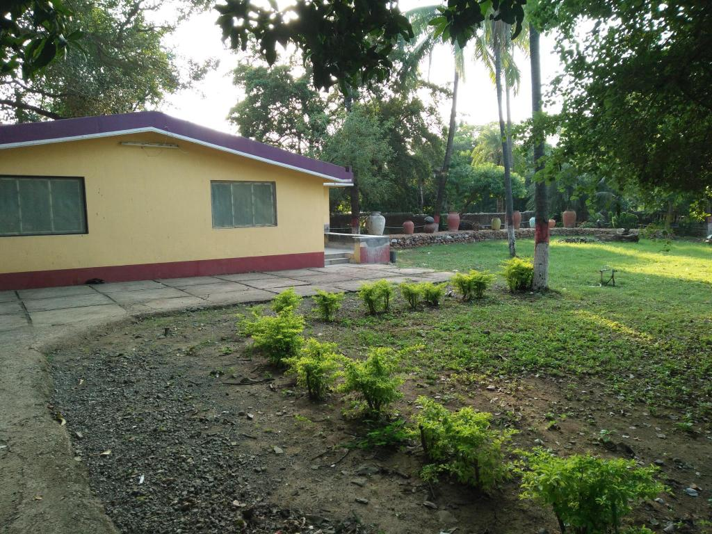 Hotel Summer House Cottage Stay In Daman
