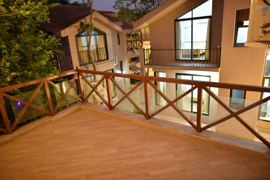 Balcony The Wilderness 3Br Villa In Residential Estate