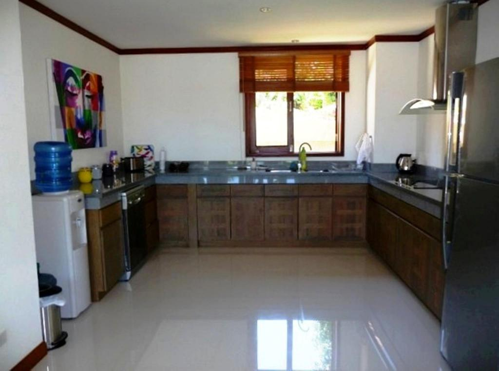 Kitchen Affordable 4 Bed Villa For Family Get-Aways