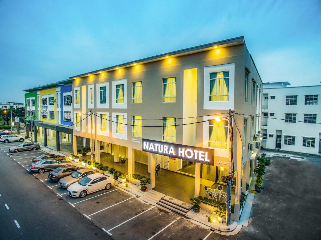 More about Natura Hotel