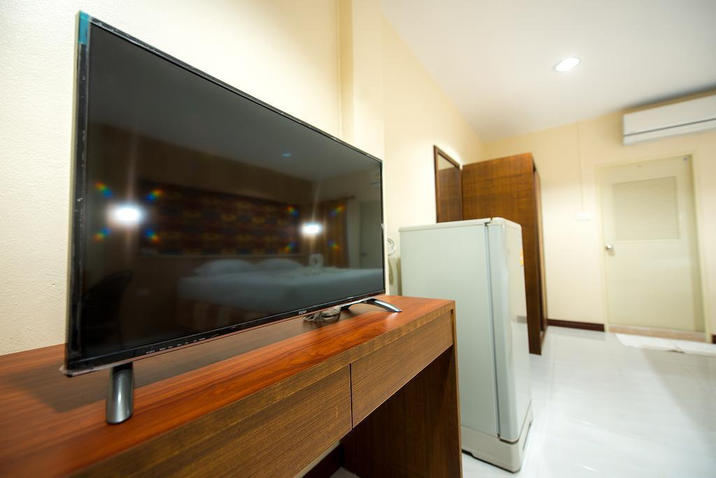 TV Chic Inn Hotel Thamung