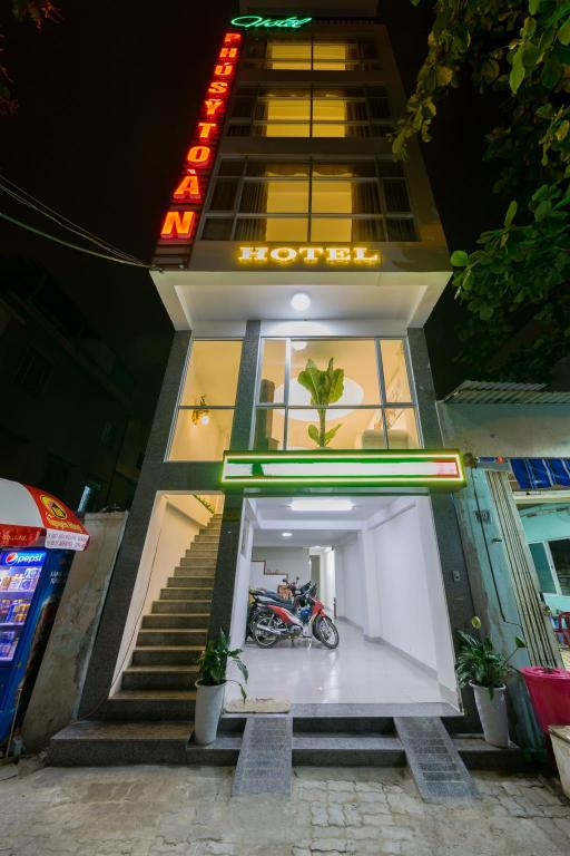 Hotel building Phu Sy Toan
