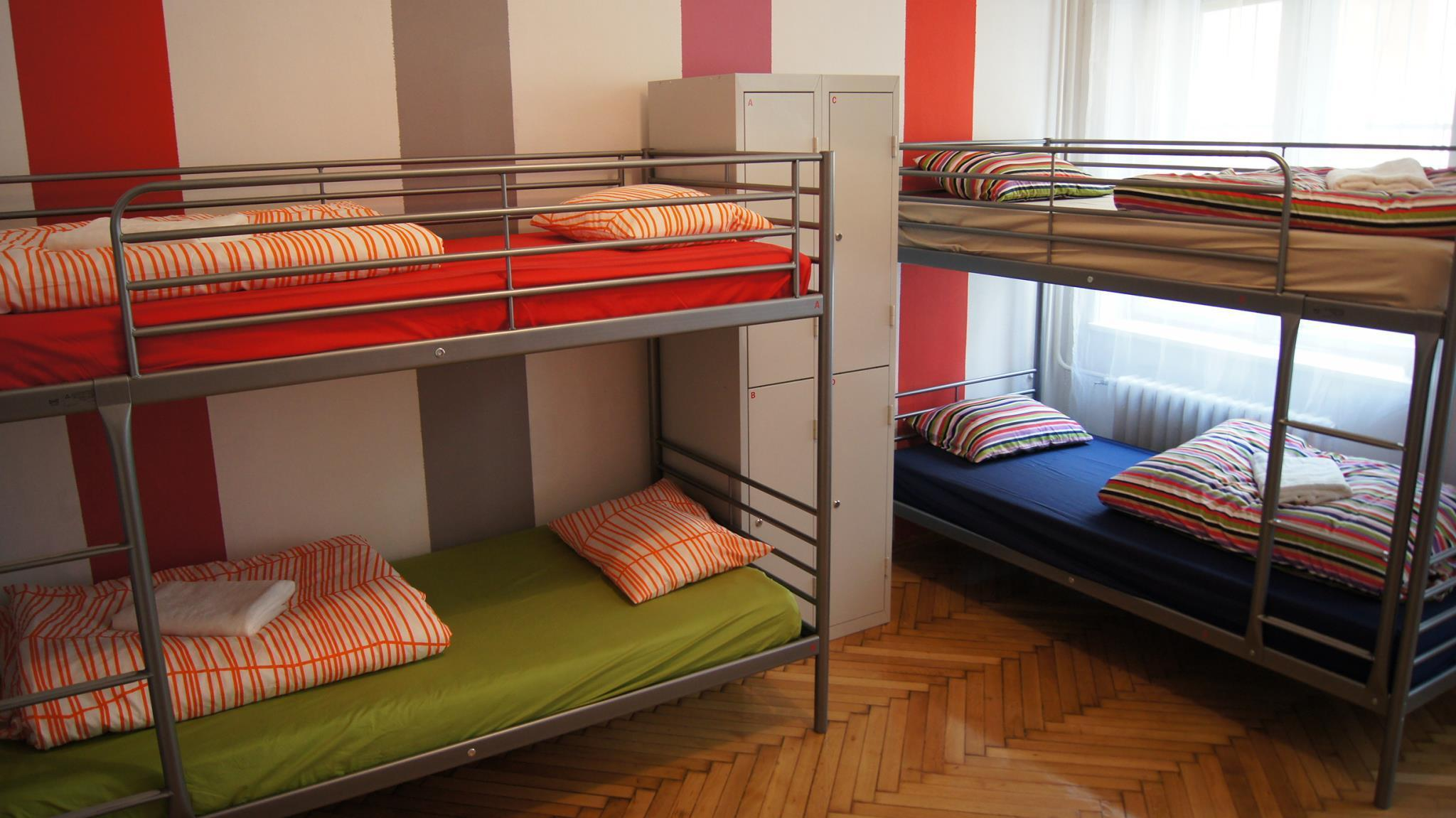 4-sengs blandet sovesal (4 Bed Share Mixed)