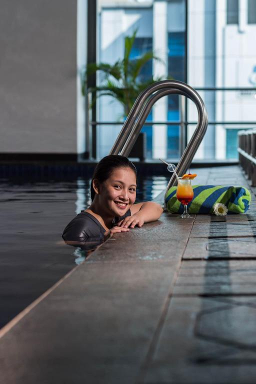 Swimming pool Arthama Hotels Losari Makassar