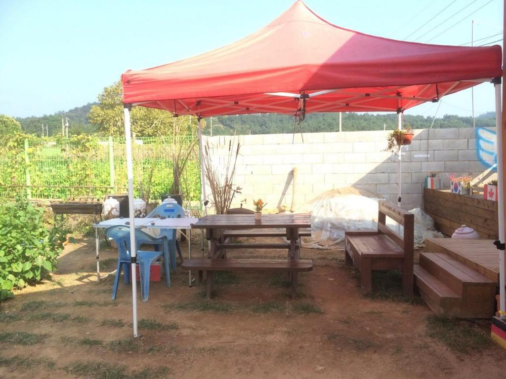 Family - 1-Bedroom - Outside seating area NEUL-CHAE-UL