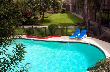Swimming pool [outdoor] Red Lion Hotel Houston Intercontinental Airport