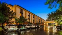 SureStay Plus Hotel Chicago Lombard by Best Western