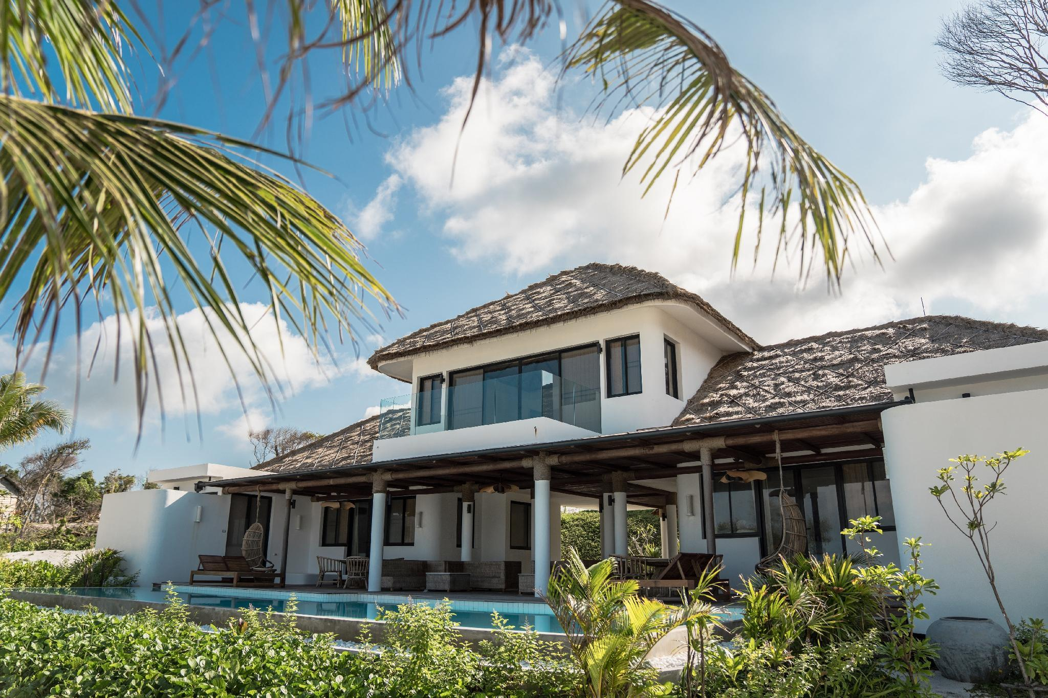 Poolvilla mit 3 Schlafzimmern am Strand (3-Bedroom Beachfront Pool Villa)