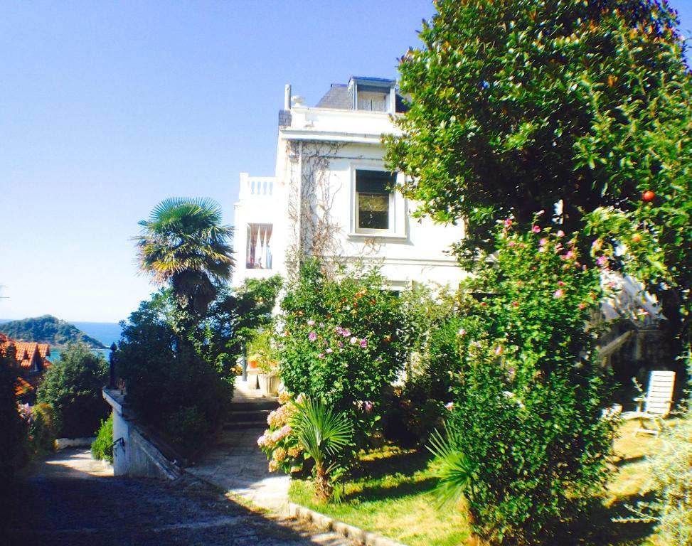 Far Out Inn B B San Sebastian 2020 Updated Deals Hd Photos Reviews