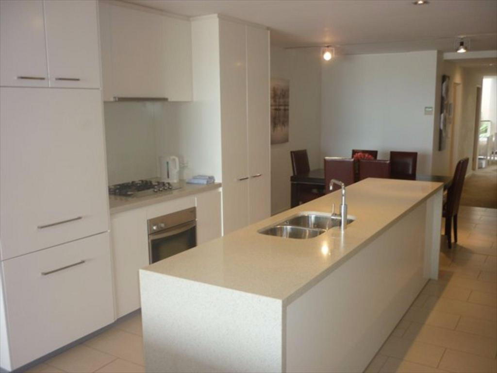 Kitchen PRADE - Marine Parade Apartment