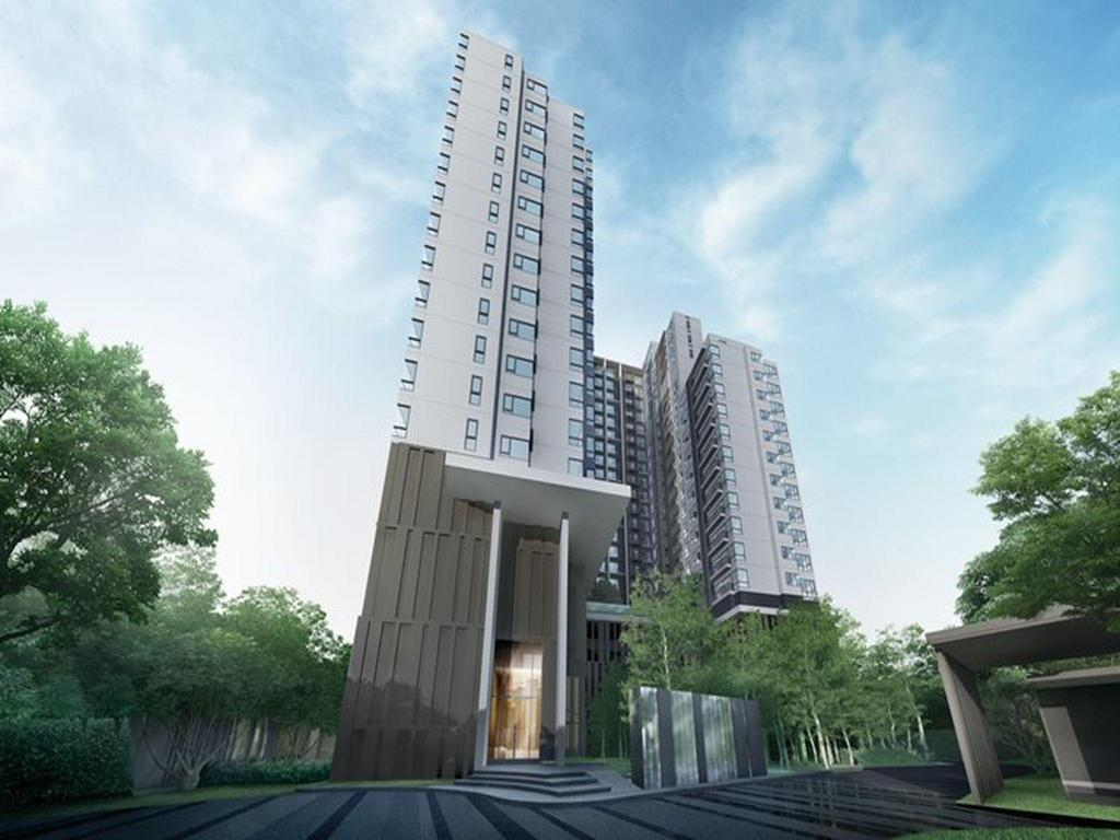 Best Price on Rhythm 36 - 38 Condominum By Arsin in Bangkok + Reviews