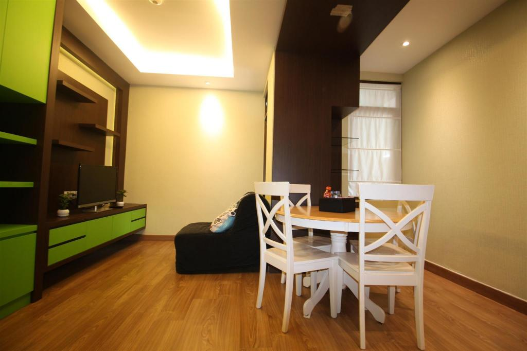 Interior view 2BR Modern Metro Sunter Apartment - Travelio