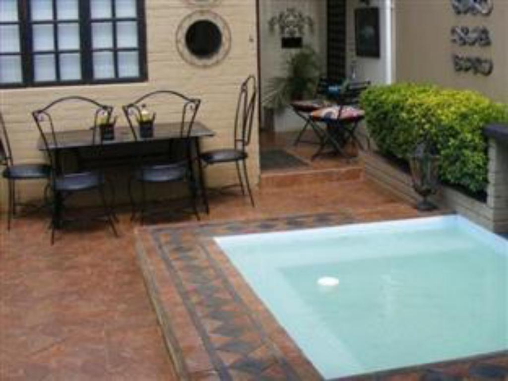 Swimming pool Ama Zulu Guesthouse and Safaris