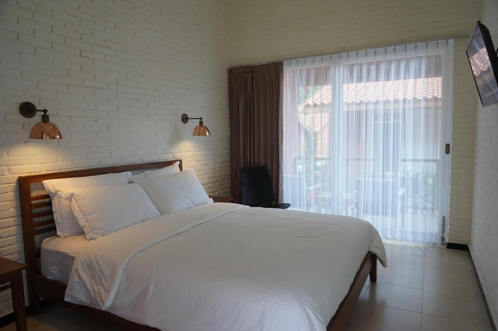 Deluxe Double with Balcony - Bed Bromo Terrace Hotel