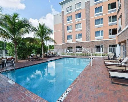 Swimming pool [outdoor] Cambria Hotel Ft Lauderdale  Airport South & Cruise Port