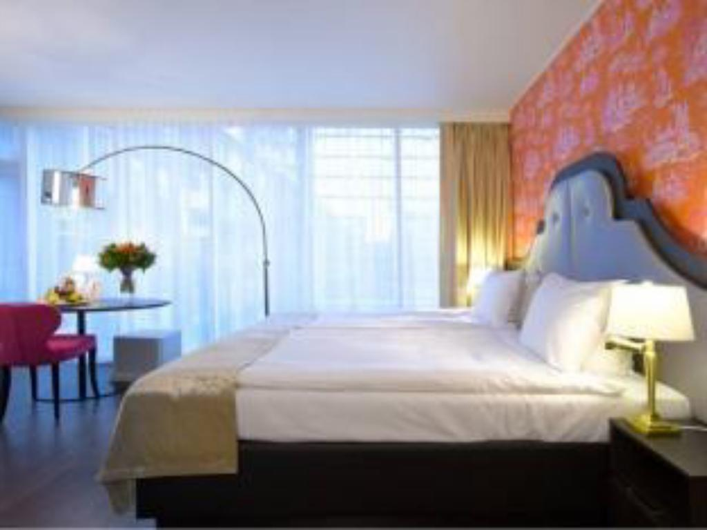 Classic Double Room - Bed Thon Hotel Bristol Stephanie