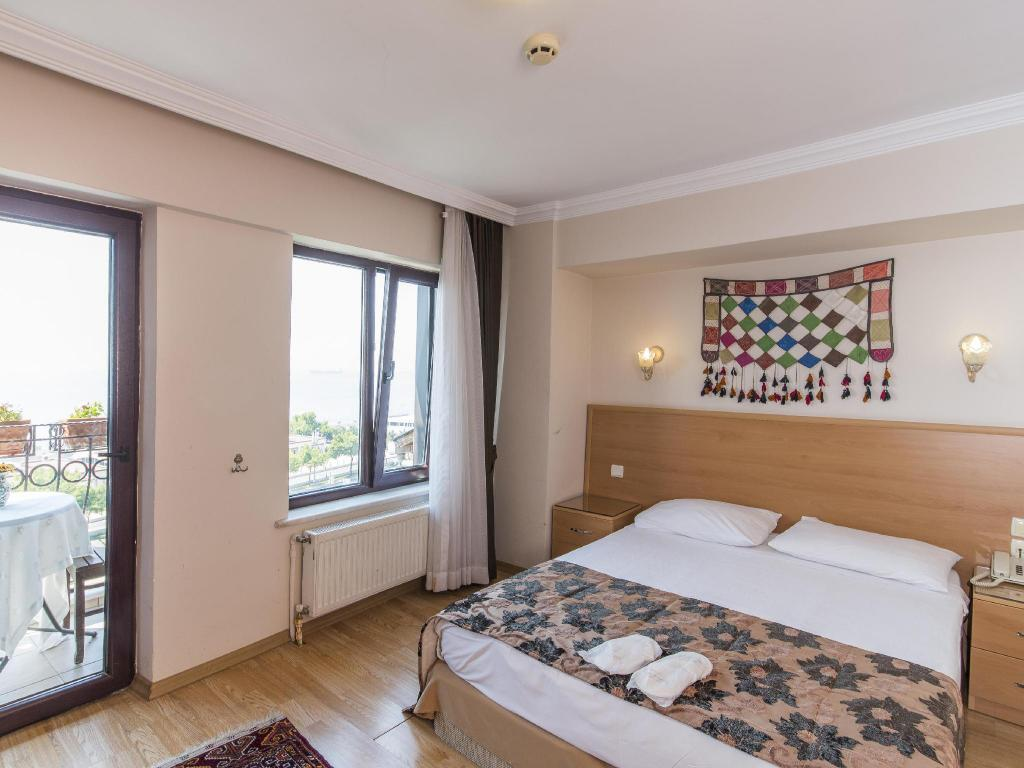 Deniz houses hotel in istanbul room deals photos reviews for Amida house istanbul