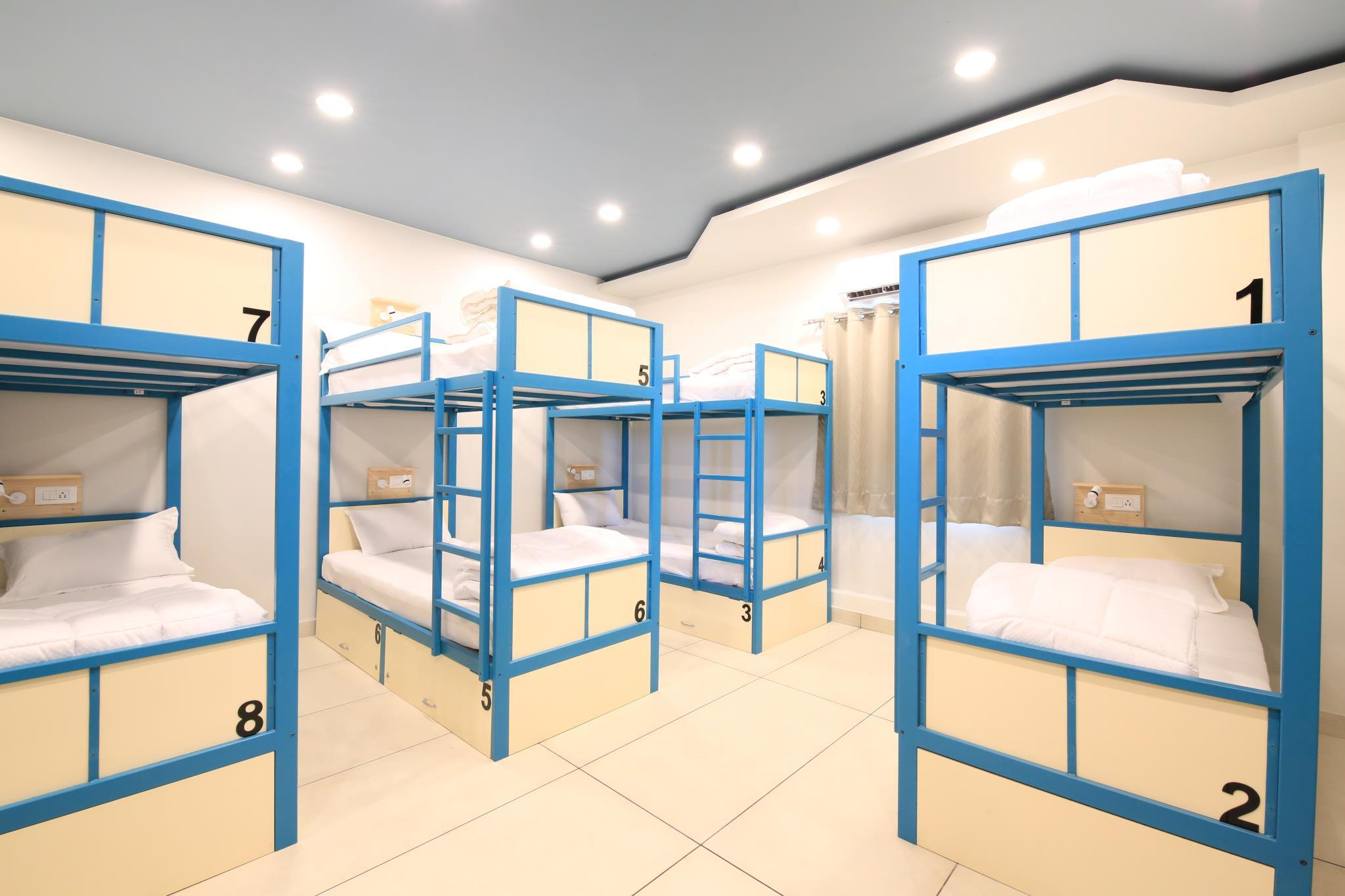 1 Person in 10-Bed Dormitory with Air Conditioning - Mixed