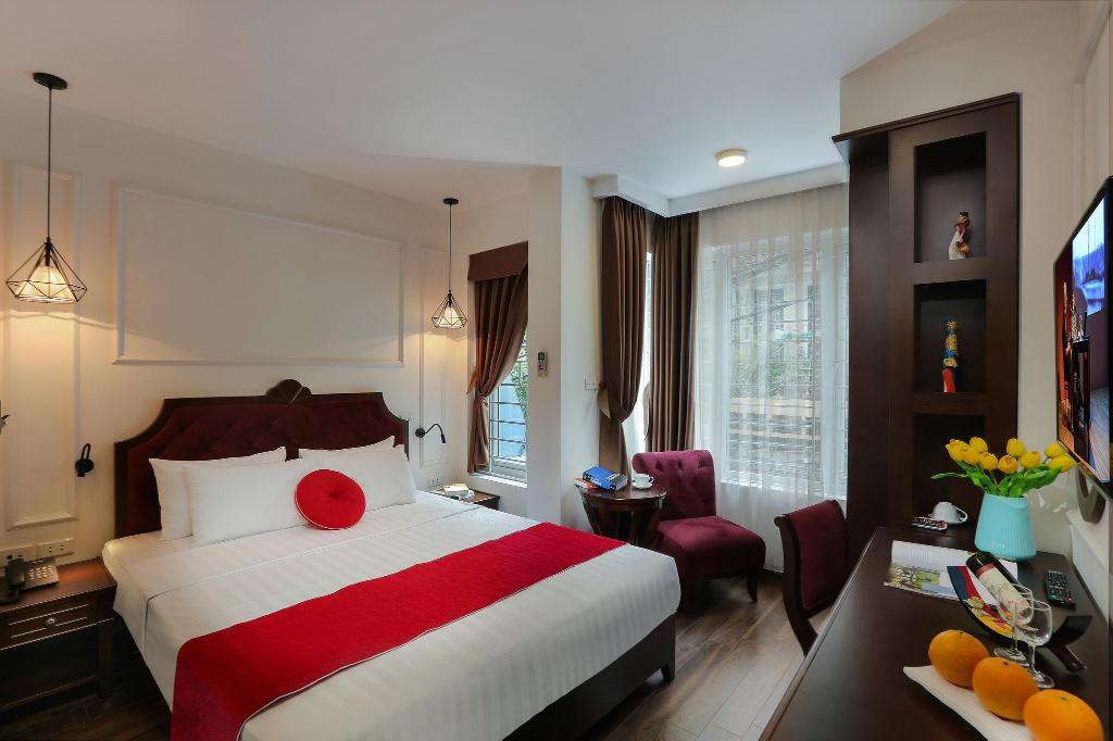 Deluxe Double City View - Guestroom Hanoi La Vision Hotel & Travel