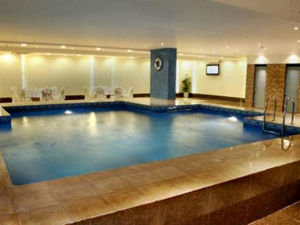 Golden prince hotel in riyadh room deals photos reviews - Hotels in riyadh with swimming pools ...