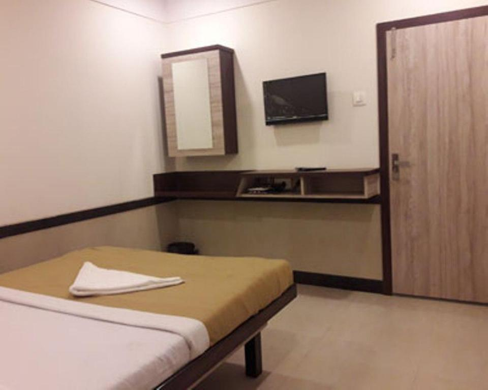 Hotel Shree Shlok Residency