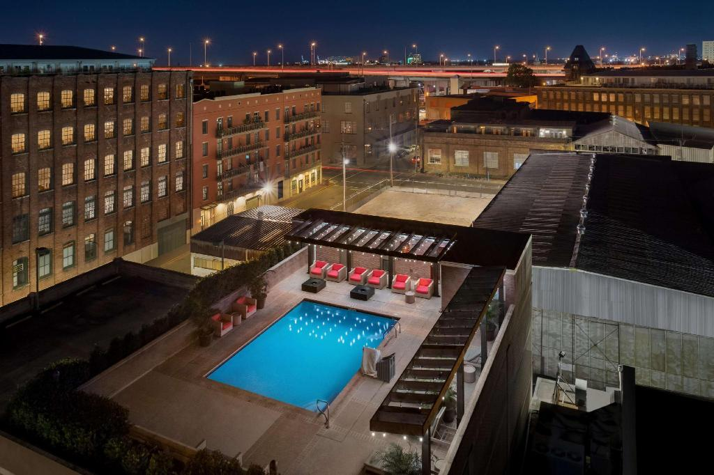 More about Hilton Garden Inn New Orleans Convention Center Hotel