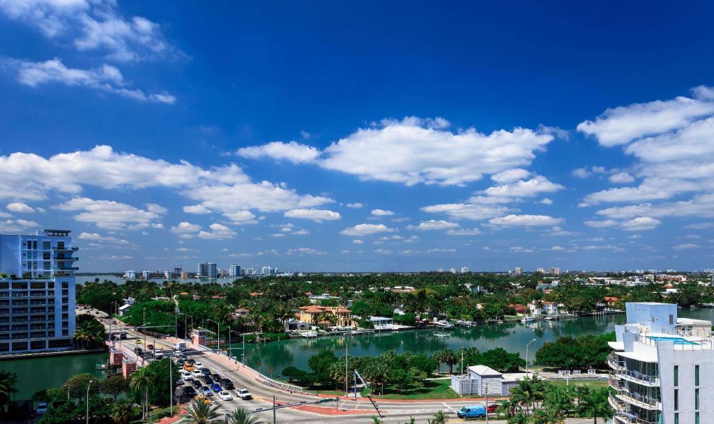 Hilton Cabana Miami Beach Hotel (Miami Beach (FL)) - Deals, Photos & Reviews