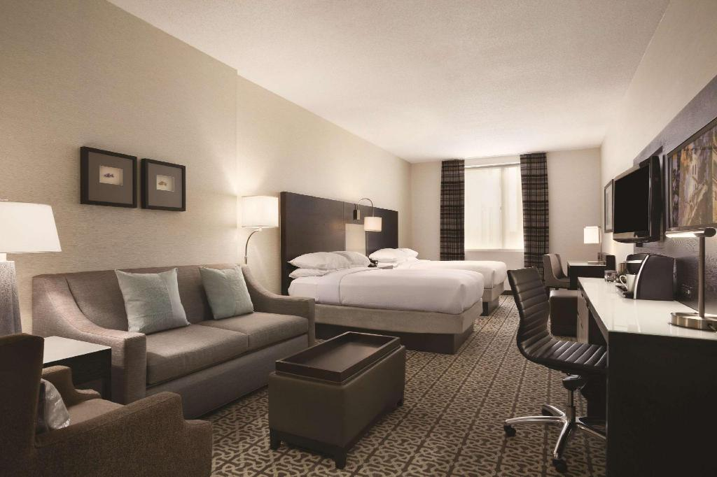 Deluxe Two Double Beds - Guestroom DoubleTree by Hilton Hotel Boston-Downtown